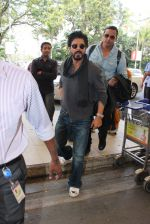Shahrukh Khan snapped at the airport on 16th Feb 2016