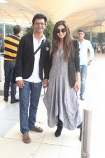 Shonali Nagrani, Sunil Grover snapped at the airport on 16th Feb 2016