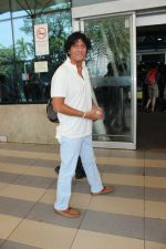 Chunky Pandey snapped at airport on 17th Feb 2016 (39)_56c57661b00a5.JPG