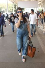 Kainaat Arora snapped at airport on 17th Feb 2016 (51)_56c57686d1142.JPG