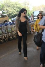 Maheep Kapoor snapped at airport on 17th Feb 2016 (20)_56c5769f3a62e.JPG