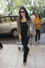 Maheep Kapoor snapped at airport on 17th Feb 2016 (22)_56c576a0df0a1.JPG
