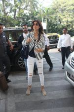 Shilpa Shetty snapped at airport on 17th Feb 2016