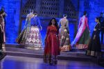 Sonalee Kulkarni walk the ramp for Neeta Lulla Show at Make in India show at Prince of Wales Musuem with latest Bridal Couture in Mumbai on 17th Feb 2016 (16)_56c578461fc38.JPG