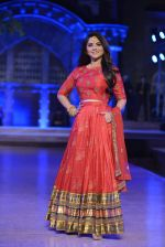 Sonalee Kulkarni walk the ramp for Neeta Lulla Show at Make in India show at Prince of Wales Musuem with latest Bridal Couture in Mumbai on 17th Feb 2016 (19)_56c5784a69f08.JPG