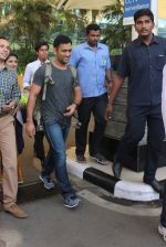 Mahendra Singh Dhoni snapped at airport in Mumbai on 18th Feb 2016