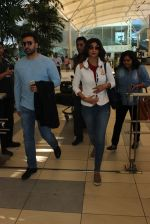 Shilpa Shetty, Raj Kundra snapped at airport in Mumbai on 18th Feb 2016
