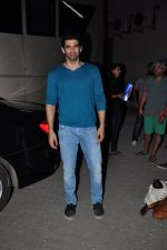 Aditya Roy Kapoor snapped in Mumbai on 19th Feb 2016 (21)_56c856c629c72.JPG