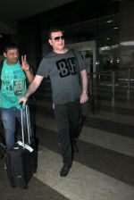 Aditya Pancholi snapped at Airport on 20th Feb 2016 (3)_56c96506c96ff.JPG