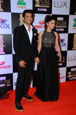 Ankita Lokhande, Sushant Singh Rajput at zee cine awards 2016 on 20th Feb 2016 (390)_56c9958acf473.JPG
