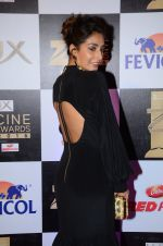 Monica Dogra at zee cine awards 2016 on 20th Feb 2016