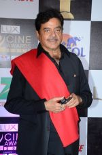Shatrughan Sinha at zee cine awards 2016 on 20th Feb 2016