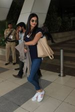 Sonal Chauhan snapped at Airport on 20th Feb 2016