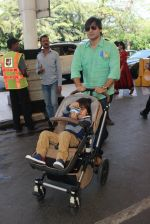 Vivek Oberoi snapped at Airport on 20th Feb 2016 (47)_56c965abef520.JPG