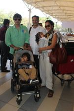 Vivek Oberoi, Priyanka Alva, Suresh Oberoi snapped at Airport on 20th Feb 2016