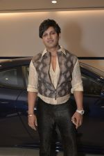 Yash Birla at Sukhbir Bagga_s Petal Maserati showroom launch  at Taj Hotel Airport in Mumbai on 20th Feb 2016 (96)_56c967d33177f.JPG