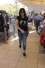 Zarine Khan snapped at Airport on 20th Feb 2016 (30)_56c9664aba7d8.JPG