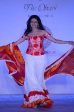 Bhagyashree walk for Maheka Mirpuri show in support of Terry Fox run in Mumbai on 21st Feb 2016 (142)_56cab41d12e23.JPG