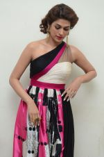 Shraddha Das wearing a Gavin Miguel from M the store at the audio launch of her movie Guntur Talk on 21st Feb 2016 (21)_56cab0af898e3.JPG