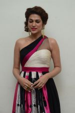 Shraddha Das wearing a Gavin Miguel from M the store at the audio launch of her movie Guntur Talk on 21st Feb 2016 (3)_56cab0a11af7b.JPG