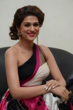 Shraddha Das wearing a Gavin Miguel from M the store at the audio launch of her movie Guntur Talk on 21st Feb 2016 (33)_56cab0bf51565.JPG