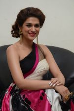 Shraddha Das wearing a Gavin Miguel from M the store at the audio launch of her movie Guntur Talk on 21st Feb 2016 (34)_56cab0c135d64.JPG