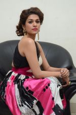 Shraddha Das wearing a Gavin Miguel from M the store at the audio launch of her movie Guntur Talk on 21st Feb 2016 (35)_56cab0c3af33c.JPG
