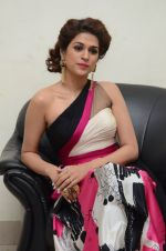 Shraddha Das wearing a Gavin Miguel from M the store at the audio launch of her movie Guntur Talk on 21st Feb 2016 (50)_56cab0dedb298.JPG