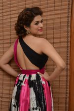 Shraddha Das wearing a Gavin Miguel from M the store at the audio launch of her movie Guntur Talk on 21st Feb 2016 (56)_56cab0e83e4ea.JPG