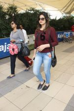 Zarine Khan snapped at airport on 22nd Feb 2016 (36)_56cc0340ee9bd.JPG