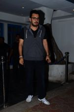 Dinesh Vijan snapped at Villa 69 in Mumbai on 23rd Feb 2016 (6)_56cd642041f08.JPG