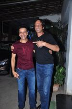 Manoj Bajpai, Kay Kay Menon at Aligarh screening in Mumbai on 23rd Feb 2016