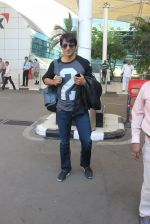 Sonu Sood snapped at airport on 23rd Feb 2016 (22)_56cd62629c760.JPG