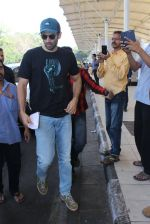Aditya Roy Kapoor snapped at airport on 24th Feb 2016 (24)_56cea3c88076c.JPG