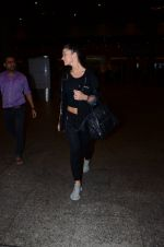Amy Jackson snapped at international airport on 24th Feb 2016 (6)_56cea40d11730.JPG
