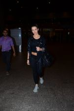 Amy Jackson snapped at international airport on 24th Feb 2016 (4)_56cea40b58c37.JPG