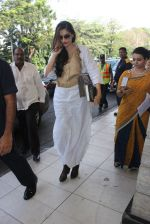 Sonam Kapoor snapped at airport on 24th Feb 2016