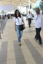Sophie Chaudhary snapped at airport on 24th Feb 2016