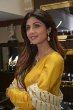 Shilpa Shetty at Diagold store on 25th Feb 2016 (45)_56cff3a2a420c.JPG