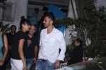 Arjun Rampal snapped with models from his ramp days at Olive in Bandra on 26th Feb 2016 (6)_56d18b72d6623.JPG