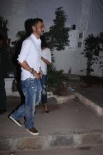 Arjun Rampal snapped with models from his ramp days at Olive in Bandra on 26th Feb 2016 (9)_56d18b7759409.JPG