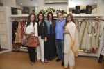 Tabu, Neetu Singh, Dimple Kapadia at abusandeep store launch in bandra on 26th Feb 2016  (1)_56d18d9c6d1ad.JPG