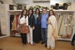 Tabu, Neetu Singh, Dimple Kapadia at abusandeep store launch in bandra on 26th Feb 2016  (63)_56d18da0bd2b6.JPG
