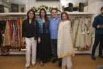 Tabu, Neetu Singh, Dimple Kapadia at abusandeep store launch in bandra on 26th Feb 2016  (64)_56d18de2e8886.JPG