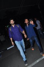 Aditya Roy Kapoor snapped at airport on 27th Feb 2016 (3)_56d2c49c9a9cb.JPG