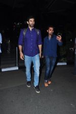 Aditya Roy Kapoor snapped at airport on 27th Feb 2016 (4)_56d2c49d5f934.JPG