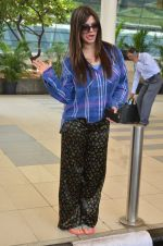 Kainaat Arora snapped at airport on 27th Feb 2016 (19)_56d2c4b30bbcf.JPG