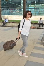 Prachi Desai snapped at airport on 27th Feb 2016 (2)_56d2c4caf3c9f.JPG