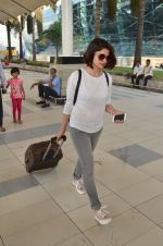 Prachi Desai snapped at airport on 27th Feb 2016 (6)_56d2c4ce2492f.JPG