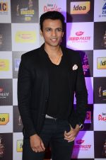 Abhijeet Sawant at radio mirchi awards red carpet in Mumbai on 29th Feb 2016 (203)_56d59d2a84059.JPG